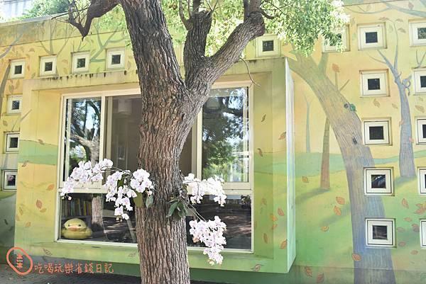 彰化村東國小閱讀室彩繪牆3.jpg
