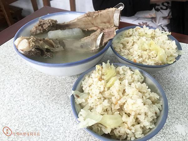 台北高麗菜飯.排骨湯7.jpg