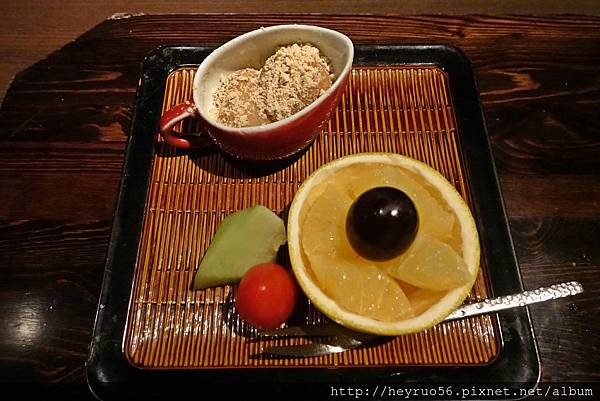 21甜點黑糖黃豆粉蜜麻吉.JPG