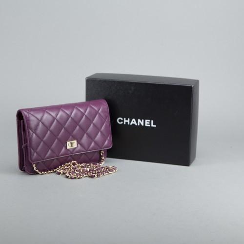 2-11789-234617--chanel-purple-lambskin-reissue-woc-wallet-on-chain--additional-items