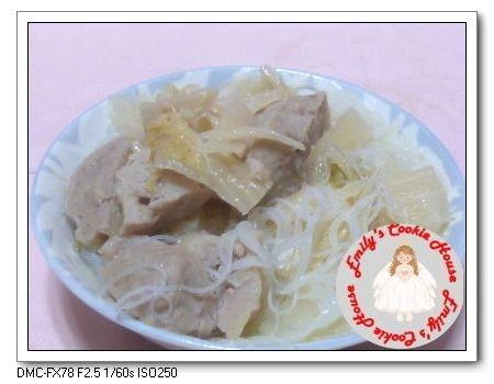酸白菜貢丸米粉湯