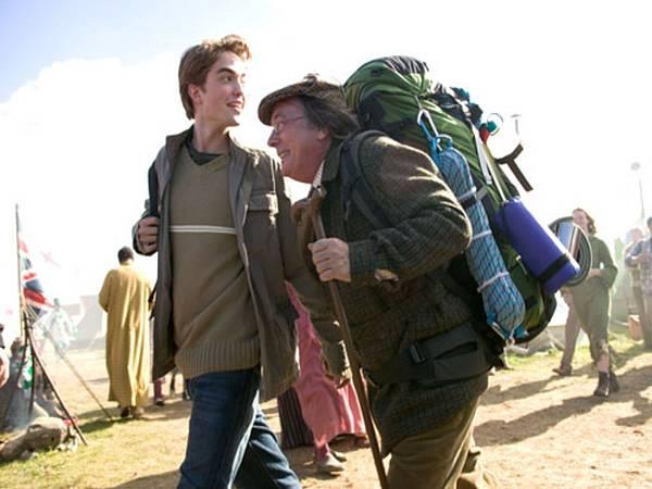 Cedric-and-Amos-Diggory-hufflepuff-28197446-500-332