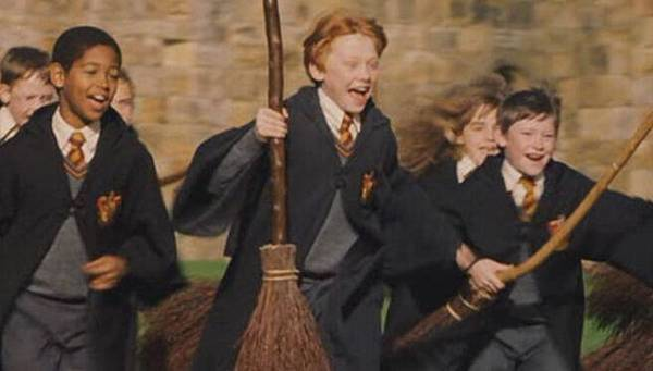 Harry.Potter.And.The.Philosopher's.Stone[2001]DvDrip[Eng]-Koffe[(084796)12-08-42]