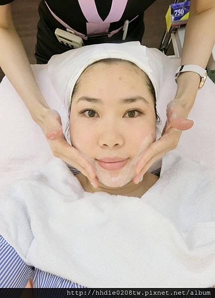洗面乳清潔-醫美診所推薦