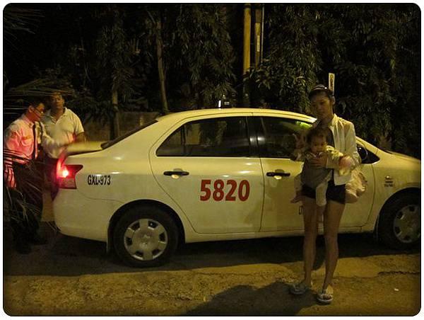 0602-2-從hotel接我們到公車總站的計程車.jpg