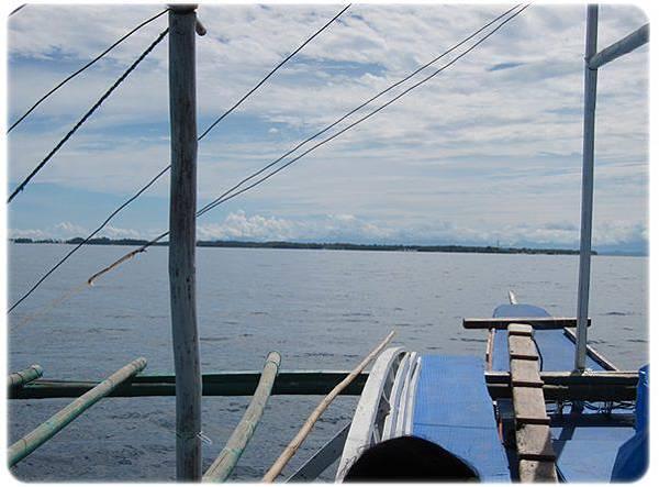 0602-26-前方的島就是MALAPASCUA ISLAND.jpg