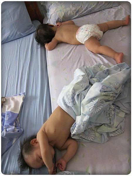 0602-64-睡得好熟的小朋友.jpg
