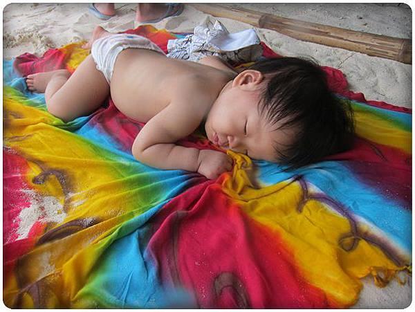 0603-36-在我按摩時綠豆睡得很好.jpg