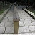 0630-12-猜猜看為啥樓梯會大小邊哩.jpg