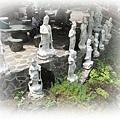 0814-33-守護瀑布的神像們.jpg