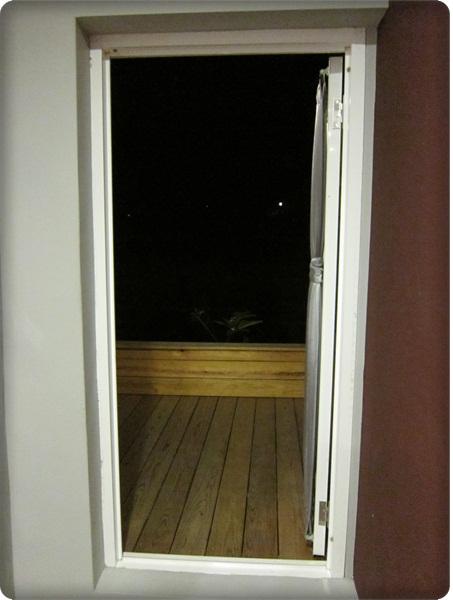 room-18-前往後陽台.jpg