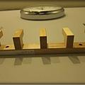 TOMER-17-掛衣架與時鐘.jpg