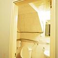 TOMER-18-浴室開燈後.jpg
