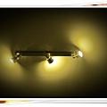 TOMER-20-天花板的燈非常貼心.jpg