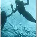 1109-102-潛到水底往上拍.jpg