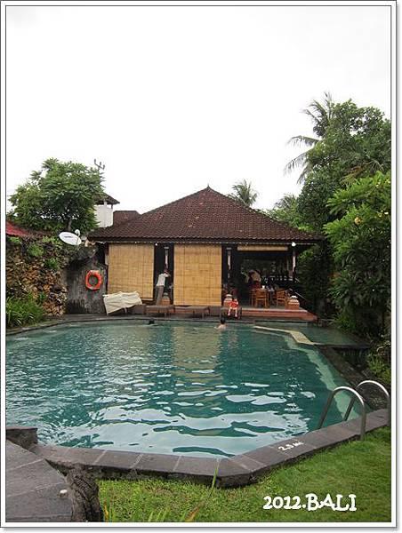 107-10-ida's swimming pool.jpg