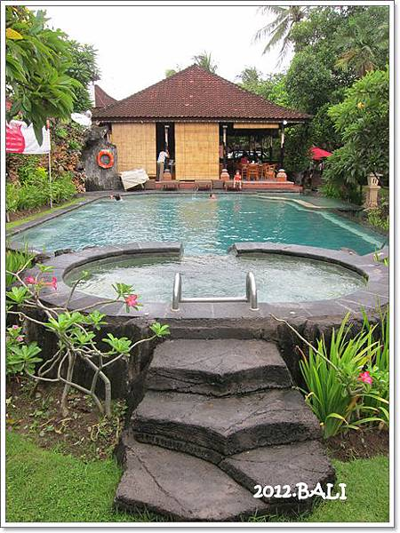 107-11-ida's swimming pool.jpg