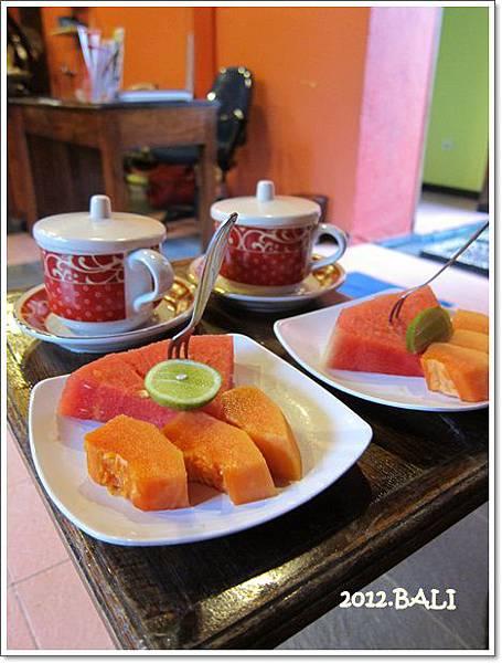 109-46-SEDONA SPA UBUD-結束後的水果及茶.jpg