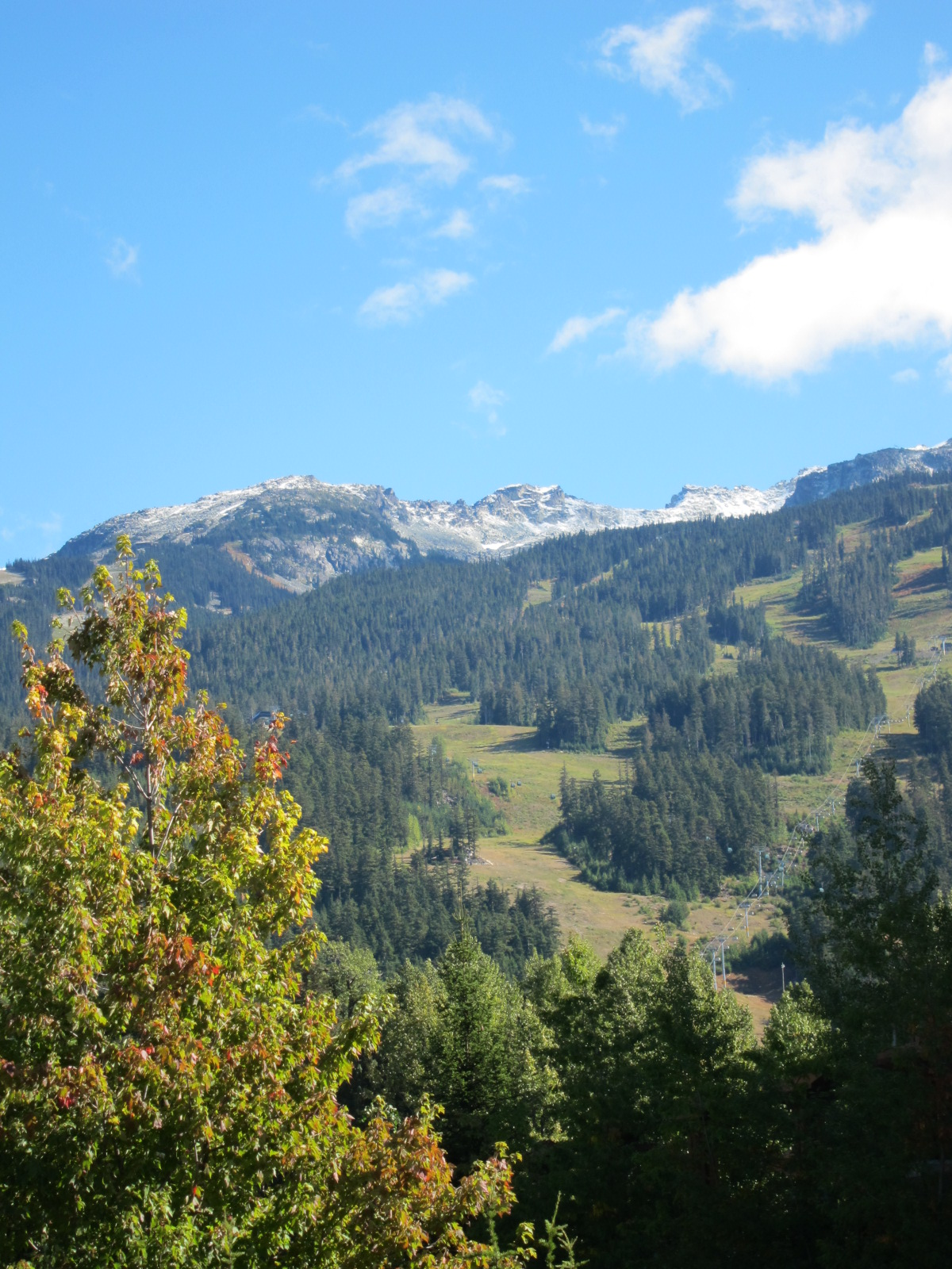 0922-10-山頂已經有雪了.JPG