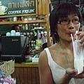 第二杯飲料,我喝的是牛奶