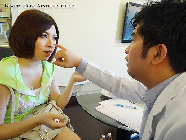 玻尿酸瑞絲朗淚溝法令紋凹陷美麗晶華陳志龍醫生1.jpg