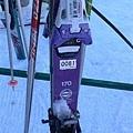 這就是ski的雪板跟雪杖