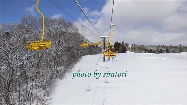 有時刮起一陣風,在lift上的人都會被風吹雪吹拂到。