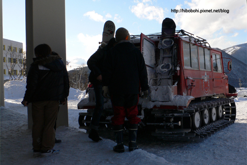 戰車?不,這是為了能在雪地行走而換上的輪子。