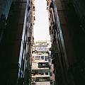 銅鑼灣巷弄裡