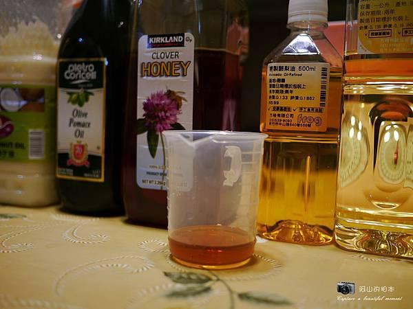 蜂蜜燕麥牛奶皂012-wm.JPG