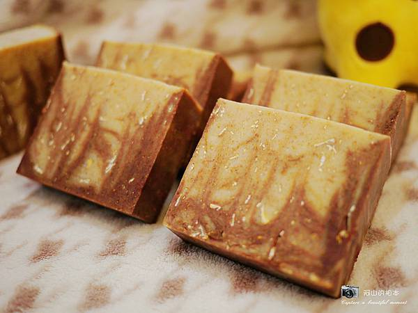 蜂蜜燕麥牛奶皂045-wm.JPG