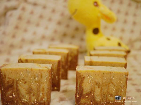 蜂蜜燕麥牛奶皂051-wm.JPG
