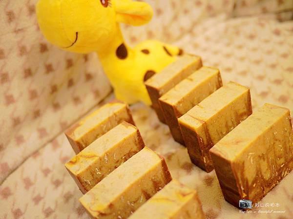 蜂蜜燕麥牛奶皂053-wm.JPG