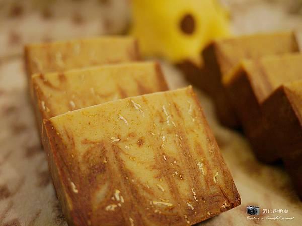 蜂蜜燕麥牛奶皂056-wm.JPG