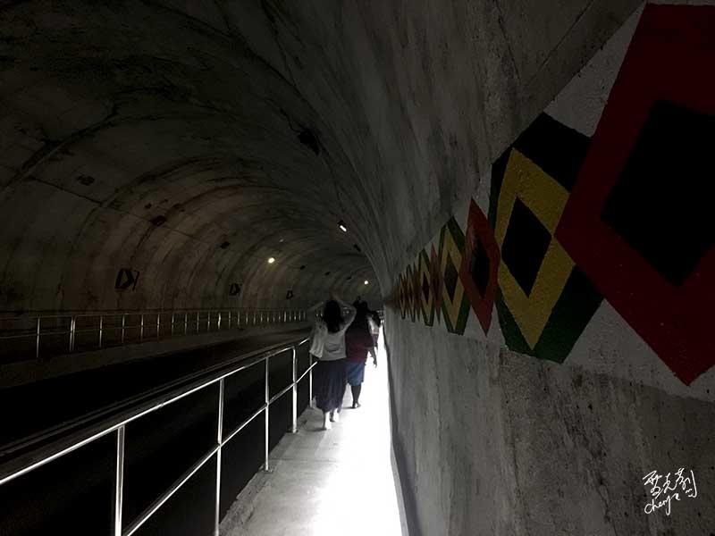 從砂卡噹步道入口處走回太魯閣遊客中心.jpg