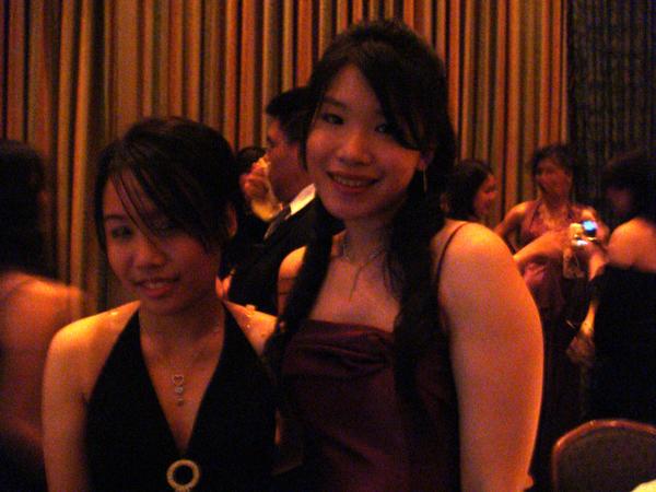 雅跟Leena