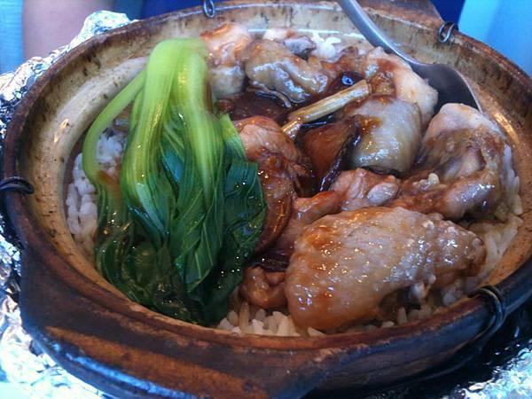 北菇滑雞煲仔飯1