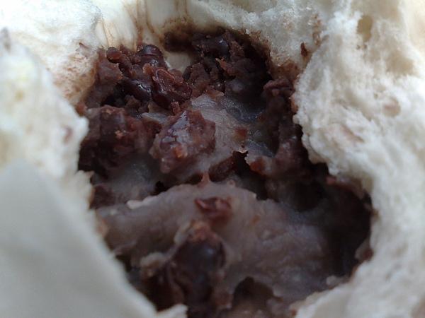 芋頭紅豆包內餡特寫.jpg