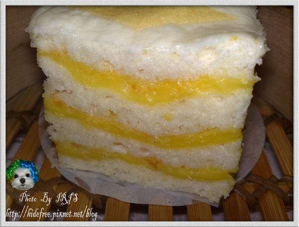 奶黃千層糕橫拍.jpg