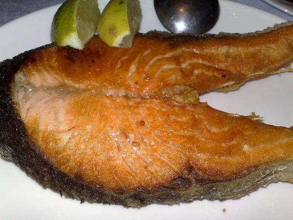 乾煎鮭魚.JPG