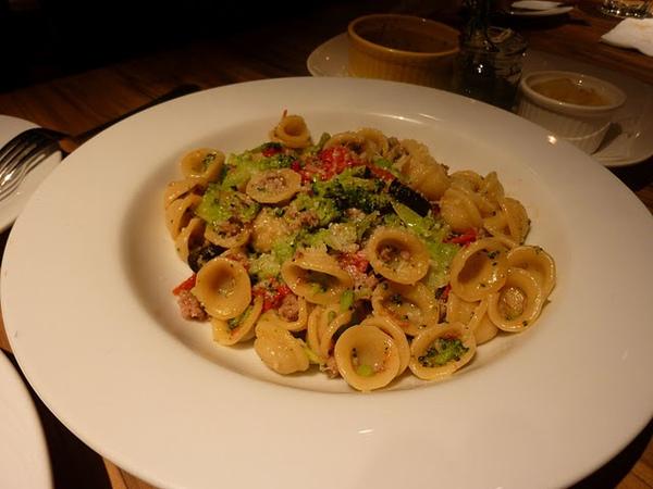 Orecchiette con Broccoli e Salsiccia alla Pugliese