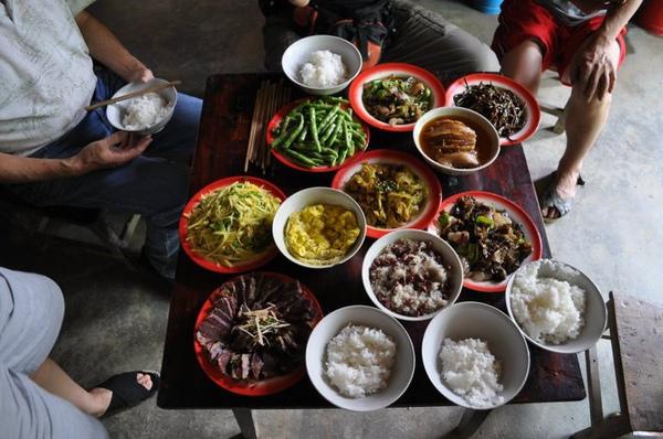 農村人家的午餐