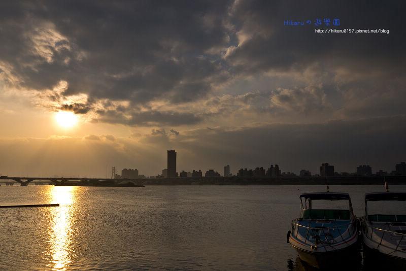 冷風中の大稻埕夕陽