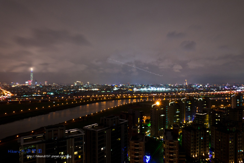 細雨微飄の台北夜景