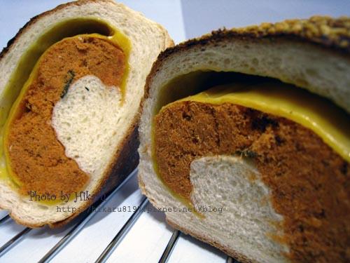 帕瑪森起司肉鬆麵包
