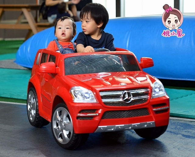 金剛 (255).jpg - 兒童電動車BENZ GL CLASS-姚小鳳平台(官方介紹)