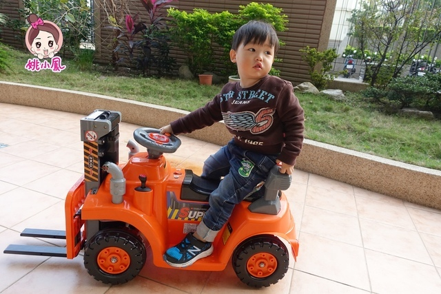 DSC03071.JPG - 兒童電動車-工程車-堆高機-姚小鳳平台(官方介紹)