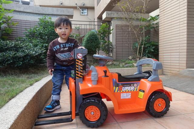 DSC02967.JPG - 兒童電動車-工程車-堆高機-姚小鳳平台(官方介紹)