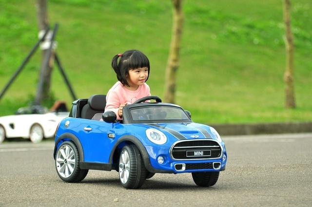 DSC_0074_1_1.jpg - 兒童電動車Mini cooper-姚小鳳平台(官方介紹)
