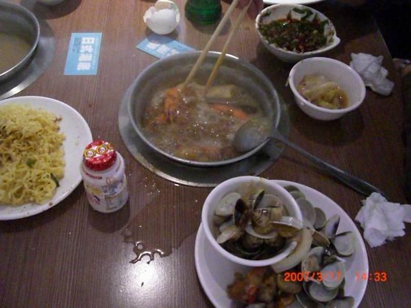 一.日式昆布火鍋煮蝦子